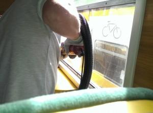 polerowanie szyb w pociągu