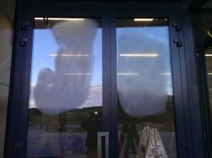 polerowanie drzwi szklanych
